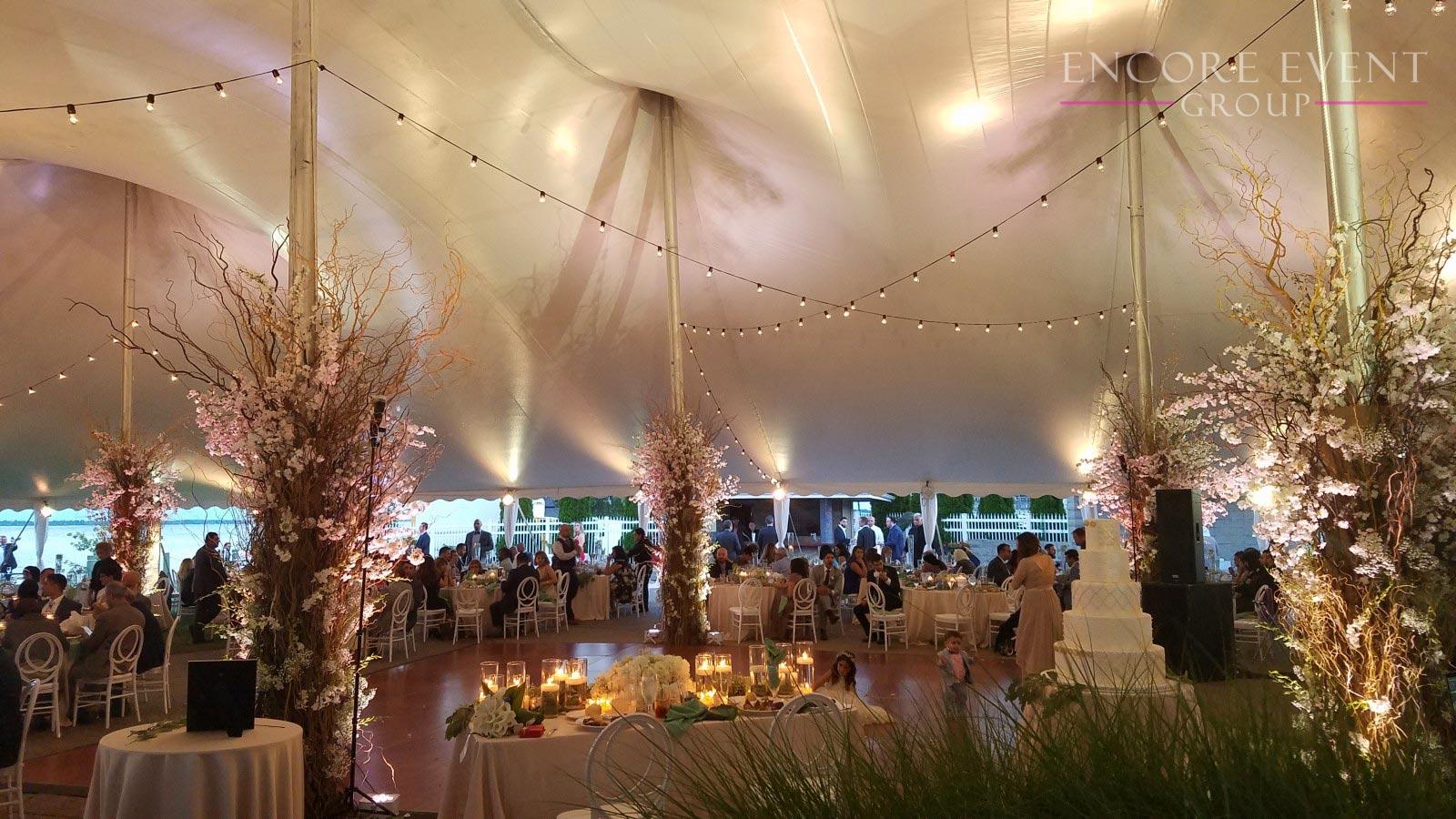 Silver Shores Wyandotte Tent Wedding & Silver Shores Wyandotte Tent Wedding | Encore Event Group